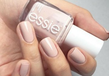 Image of Essie Topless and barefoot