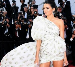 Image of Kendall Jenner in Giambattista Valli