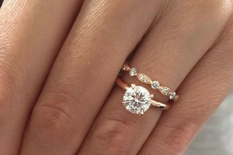 Charlottes sex in the city engagement ring from harry