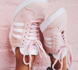 7 pairs of pink sneakers to make everyone jealous