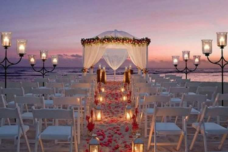 How to dress as a beach wedding guest this summer