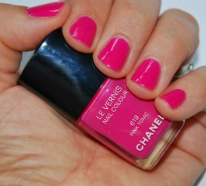 Pink is the fashion girls approved nail polish colour.