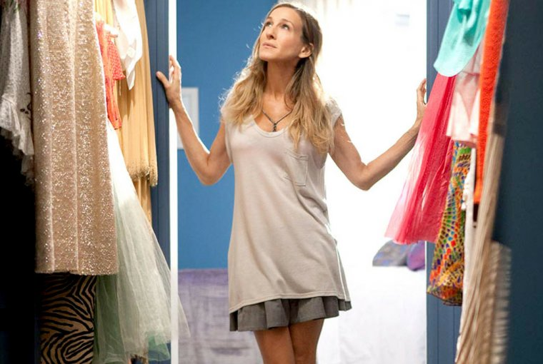 As we are going from spring to summer, we need to do a closet cleanup and toss some of the old pieces stuck in there for years. Read how to do it.