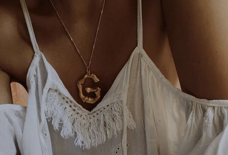 Celine's alphabet collection, which we spot day and night on social networks, thanks to all fashion girls for which the necklace is now an integral part of their looks.