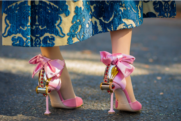 Depending on whether you are a fiery, water, air or earth sign, the preferences for your shoes are different. See what to buy!