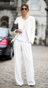 The street street gurus have long discovered the benefits of wearing all white looks and boldly combine it with other colors.