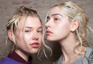This season it's all about the hair, from accessories to new ways of styling your hair, all the attention goes to your head and forget the polished looks.