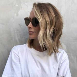 Well you're lucky because this year's trend is a mix between the short and the long: the Bob Collarbone. See our favorite hair styles.