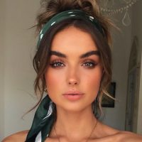 Scarfs and make up can compliment each other for a fresh and colorful summer looks