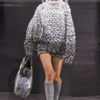 Knitwear has always looked elegant, and its spectacular details add even more sophistication to your styling.